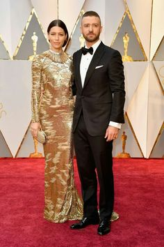 Oscar 2017. Justin Timberlake in Tom Ford and Jessica Biel in Kaufmanfranco arrive on the Oscars red carpet for the 89th Academy Awards.