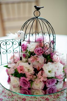 Raindrops and Roses Raindrops and roses Wedding Centerpieces, Wedding Decorations, Table Decorations, Raindrops And Roses, Bird Cages, Floral Arrangements, Diy And Crafts, Birthday Parties, Wedding Flowers