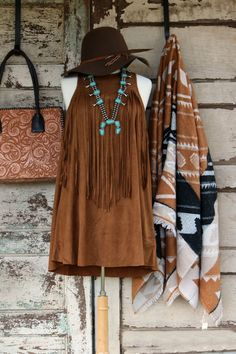 Brown Faux Suede Dress/Tunic ~ This Fun little Dress OR Tunic has so many unique details that make it super versatile. First it is a trapeze style fit making i Cowgirl Outfits, Western Outfits, Western Wear, Western Chic, Texas Fashion, Boho Fashion, Fashion Outfits, Country Western Fashion, Little Dresses