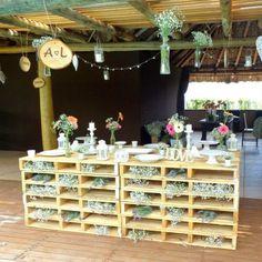 Venha conhecer a mais nova tendência em Decoração para Casamentos, toda feita em materiais sustentáveis, Pallets, muito charmosa e diferenciada. Nos visite no Facebook: Spazio Bel Sogno Ou e...