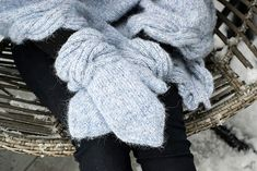 Ravelry: Frosty Waves Hefte/E-book pattern by Hilde Sørum Wave Design, Mittens, Ravelry, Waves, One Piece, Pattern, Stuff To Buy, Fingerless Mittens, Ocean Waves