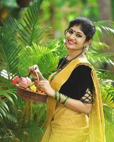 Beautiful Indian Actress, Beautiful Saree, Beautiful Actresses, Kerala Saree, South Indian Sarees, Set Saree, Pinterest Girls, Kerala Bride, Thing 1
