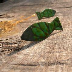 Náušnice / Earrings / Orecchini.  náušnice zdobené sypaným smaltem, na měděném, vlastnoručně vyříznutém a opracovaném plechu.  Zezadu nerez puzeta.  Rozměr smaltu cca 2x4cm  Meterial:... Insects