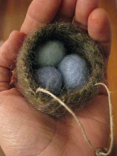 """Edds for Mama robin bird!"" Instructions for making this ADORABLE felted nest!  Cute Spring/Easter decoration.  At ""54 Stitches."""