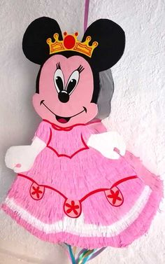 Piñata Reina Minnie Mouse Minnie Mouse, Disney Characters, Fictional Characters, Parties Kids, Slip On, Hipster Stuff, Fantasy Characters