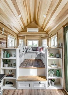 The Clover Tiny House on Wheels de Modern Tiny Living The Clover Tin . - The Clover Tiny House on Wheels de Modern Tiny Living The Clover Tiny House de Modern Ti - Modern Tiny House, Tiny House Living, Tiny House Plans, Tiny House Design, Tiny House On Wheels, Home Design, Home Interior Design, Design Ideas, Cottage Design