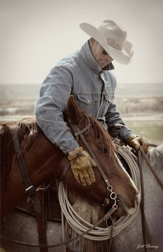 """Cowboy Affection, this picture needs no words.unfortunately a dying culture, our society would be much better if we still had the true """"Cowboy Way""""! Cowboy Horse, Cowboy Up, Cowboy And Cowgirl, Cowboy Ranch, Western Horse Saddles, Urban Cowboy, Cowboy Boots, Cowboys And Angels, Real Cowboys"""
