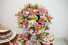 Decoração de Chá de Panela - Bruna e Gustavo - Vida de Casada Floral Wreath, Wreaths, Home Decor, Shower Party, Tea Party Decorations, Creative Decor, Decorating Ideas, Valentines Day Weddings, Houses