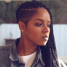 25 Hot and Sexy Shaved Sides Hairstyles You Should Try ASAP 25 heiß und sexy rasierte Seiten Box Braids Hairstyles, Shaved Side Hairstyles, Winter Hairstyles, Trending Hairstyles, African Hairstyles, Braided Mohawk Hairstyles, Female Hairstyles, Men's Hairstyle, Tree Braids