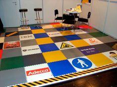 Das ist nur ein Beispiel wie Bunt diese Bodenfliesen für Kinder sein können. Dieser Bodenbelag kann auch mit Fotos bedruckt werden! Bunt, Kids Rugs, Contemporary, Home Decor, Photos, Flooring Tiles, Ground Covering, Ideas, Kid Friendly Rugs