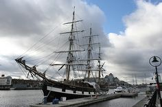10 things to do in Dublin for under Potato Famine, Stuff To Do, Things To Do, Better Life, Budget Travel, Dublin, Sailing Ships, Custom Homes, Boats