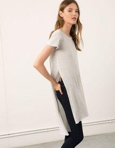 Bershka extra-long top with side openings - T- Shirts - Bershka United Kingdom