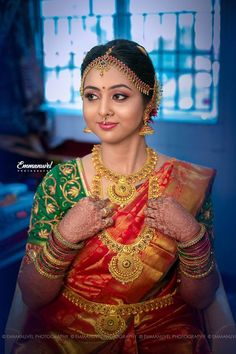 You can find the best wedding photographers, top wedding makeup artists, finest wedding decorators, top wedding planners, bridal stylists & affordable jewellery rentals Bride Photography, Indian Wedding Photography, Bridal Beauty, Bridal Makeup, Indian Wedding Fashion, Indian Bridal Sarees, Wedding Saree Collection, Saree Wedding, Wedding Shoot