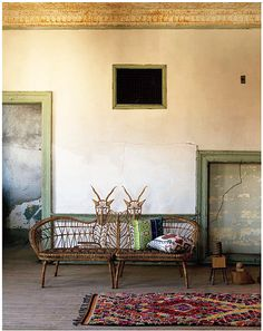 Novelty chairs, cracked walls, peeling paint - I shouldn't like this, but I do!