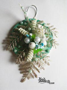 My florist work - New Year's wooden panel in Tiffany color #knitmade #knitmadeflowers #knitmadenews #tiffany #newyear #christmas