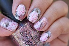 Glittery floral nails