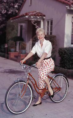 Fotos antiguas de bicicletas: Doris Day