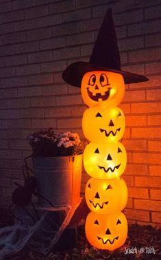 Glowing Jack O' Lantern Totem Glowing Plastic Jack O' Lantern Halloween Decoration by Scratch and Stitch Related posts:Awesome and Easy DIY Halloween Costumes for Teen GirlsTake this fun personality Quiz and find What are you to boys Halloween Vintage, Casa Halloween, Fröhliches Halloween, Adornos Halloween, Dollar Store Halloween, Halloween Cupcakes, Holidays Halloween, Halloween Yard Ideas, Halloween Costumes