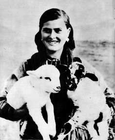 Vajza nga Myzeqeja , viti 1953.