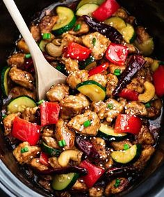Skinny Slow Cooker Kung Pao Chicken By @alyssa_therecipecritic ❤️ @alyssa_therecipecritic - This delicious Skinny Slow Cooker Kung Pao Chicken is coated in a sweet and spicy sauce with tender vegetables and crunchy cashews. Author: Kelly - Life Made Sweeter Serves: 4 servings Ingredients ⅔ cup cornstarch or arrowroot powder ¼ tsp black pepper 1¼ lbs boneless, skinless chicken breasts (about 2 pieces), cut into bite-sized chunks 1 tablespoon avocado oil or olive oil **4 - 6 dried red chili…