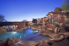 This roughly 16,000-square-foot home, located in Scottsdale, Ariz., includes an observatory with a retractable roof. (Credit: Grand Estates Auction)