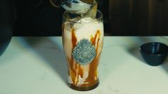 Butterbeer Ice Cream Floats: Harry Potter Fans, prepare to go mental over Butterbeer Ice Cream Floats. How can you make homemade Butterbeer more magical?>>><oh my this looks amazing Harry Potter Food, Harry Potter Christmas, Harry Potter Birthday, Harry Potter Desserts, Ice Cream Floats, Just Desserts, Dessert Recipes, Sweets, Homemade