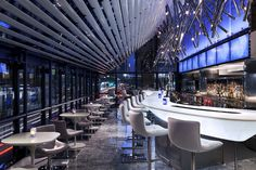 Grand Hyatt New York: custom designed illuminated bar
