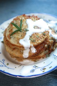 Avokado pancakes with tahini Here's how you make it. Recipe for both babies and adults.