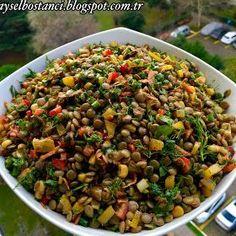 Malzemeler:   2 su bardağı haşlanmış mercimek   1 tane havuç rendelenmiş   2 tane... Appetizer Salads, Appetizers, Turkish Recipes, Ethnic Recipes, Kung Pao Chicken, Grains, Food And Drink, Vegetables, Health