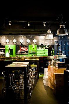 L'étiquette - bar à vins, tapas et brunch - Ixelles Dark ceiling space with lighting at lower levels