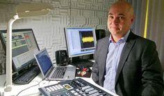 Juha Koivunen kätilöi uuden kanavan Tampereen radioaalloille 27.9.2013 Kävin kyselemässä kaupallisten paikallisradioiden kuulumisia.