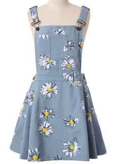 To find out about the Light Blue Daisy Floral Print Denim Dungaree Dress at SHEIN, part of our latest Dresses ready to shop online today! Pretty Outfits, Pretty Dresses, Cool Outfits, Denim Dungaree Dress, Dungarees, Suspender Dress, Mein Style, Printed Denim, Teen Fashion Outfits