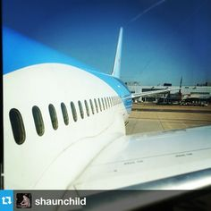 This close-up of a Thomson Dreamliner comes from @Shaun Child. Remember everyone keep tagging your images #gatwick