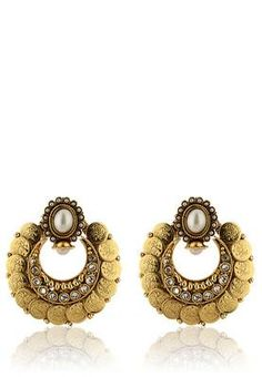 Look stunning and striking wearing these gold coloured earrings - cooliyo.com