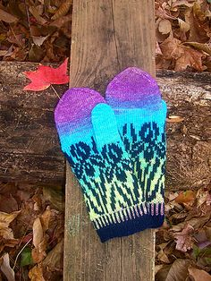 My Ravelry store is closed. Knitted Mittens Pattern, Knit Mittens, Knitted Gloves, Knitting Socks, Knitting Patterns, Knitting Short Rows, Knit Crochet, Crochet Hats, Knit In The Round