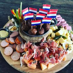 Buffet, Tasty Snacks, Food L, Appetizers For Party, Cheese, Dishes, Drinks, Recipes, Shower Appetizers