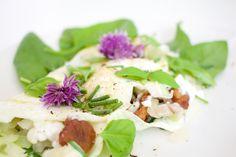 Hämmentäjä: Mozzarella chanterelle omelette. Mozzarella-kantarellimunakas.