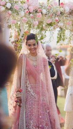 New engagement lehenga bridal collection tarun tahiliani Ideas Indian Bridal Outfits, Indian Bridal Lehenga, Indian Bridal Fashion, Indian Bridal Wear, Indian Dresses, Bridal Dresses, Indian Clothes, Lehenga Wedding Bridal, Indian Wedding Dresses