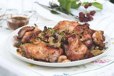 Pomalu pečený králík s česnekem, cibulí a bylinkami Turkey, Menu, Chicken, Cooking, Health, Kitchen, Food, Food And Drinks, Menu Board Design