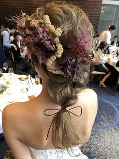先輩花嫁「__rika.8」のヘアメイクの写真まとめ - ウエディングニュースブライズ Dreadlocks, Hair Styles, Beauty, Beleza, Dreads, Hair Makeup, Hair Looks, Haircut Styles, Hair Cuts