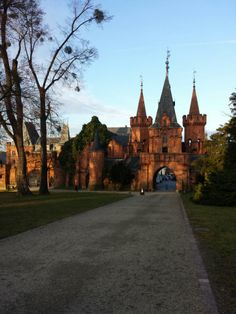 """See 126 photos from 542 visitors about architecture. """"The red castle is impressive but a disappointment in the end"""" Prague, Manor Houses, Palaces, Barcelona Cathedral, Castles, Architecture, Nice, Building, Travel"""