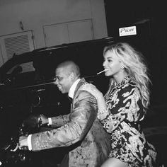 """Jay Z drops off a """"Spiritual"""" new record on the injustices in America. Well look what we have here! Out of nowhere, Jay Z decides to come through and drop of. Beyonce 2013, Beyonce Et Jay Z, Beyonce Knowles, Couple Style, Celebrity Couples, Celebrity Weddings, King B, Carter Family, Mrs Carter"""