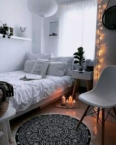 33 awesome college bedroom decor ideas and remodel # idea .- 33 tolle College-Schlafzimmer Dekor-Ideen und umgestalten 33 awesome college bedroom decor ideas and … - College Bedroom Decor, Room Ideas Bedroom, Small Room Bedroom, Cozy Bedroom, Bedroom Furniture, Teen Bedroom, Bedroom Storage, Bedroom Inspo, White Bedroom