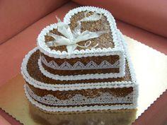 pálený cukor - walnuts and caramel - grillázs-isomalt Edible Cookies, Isomalt, Cookie Box, 3 D, Caramel, Cake Decorating, Boxes, Enamel, Sticky Toffee