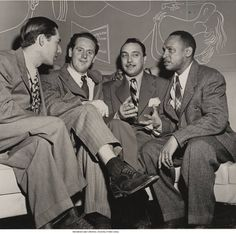Leonard Feather, Les Paul, Django Reinhardt, and Lionel Hampton, Cafe Society, NYC, December 1946, photo by Albert Freeman