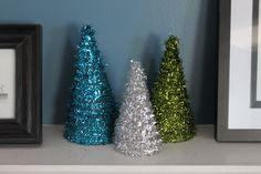 Tutorial for Glitter Christmas Trees. Also contains printable patterns for all three tree sizes.
