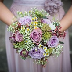 Hannah and Michael's rustic, berry themed wedding #hitchedrealwedding