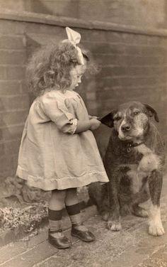 Un viaje fotográfico a los perros del pasado: la fabulosa colección de Libby Hall | SrPerro.com, la guía para animales urbanos.