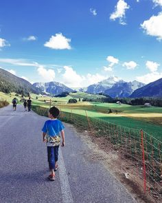 Aurélie lesmamanswinneuses a partagé une photo sur Instagram: «Mettre de la couleur, de la lumière et de la fraîcheur dans nos vies. (accompagnés de quelques…» • Regardez les 1,391 photos et vidéos sur son profil. Mountains, Nature, Photos, Travel, Instagram, Family Travel, Profile, Color, Naturaleza