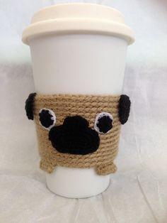 Pug Cup Cozy por CraftyHongSisters en Etsy